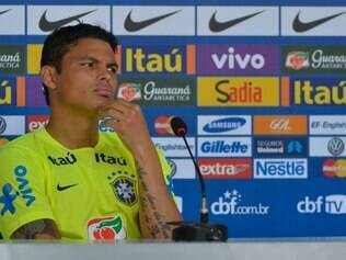 Thiago Silva diz que pensar na taça de campeão do mundo é inevitável