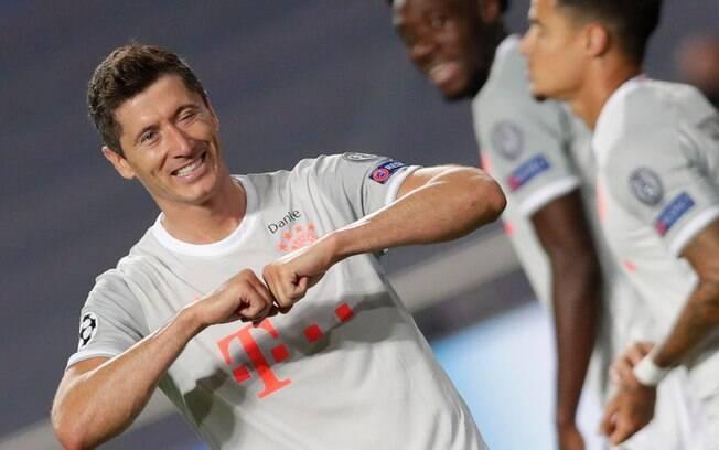 lewandowski comemora gol do bayern
