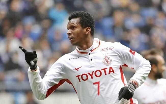 Jô pode voltar ao Corinthians