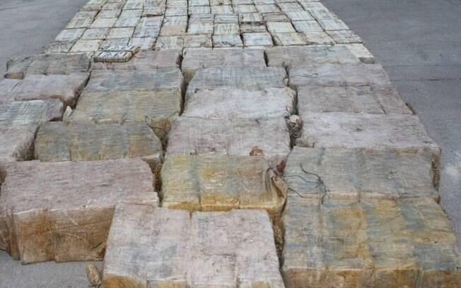 Polícia Federal apreendeu a droga no porto de Paranaguá (PR)
