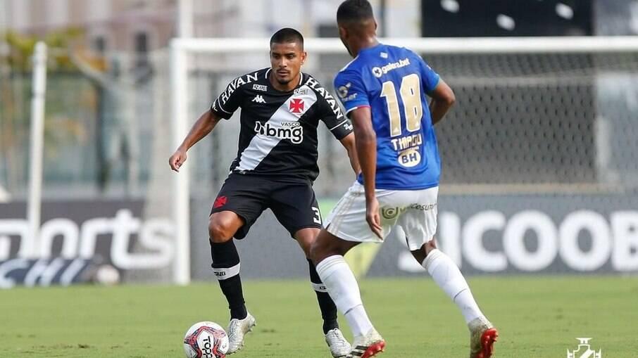 Vasco e Cruzeiro empataram em jogo polêmico