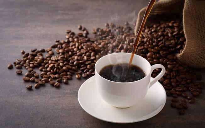 aprenda como fazer café