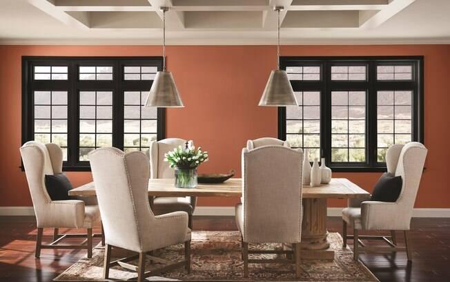 Para renovar a decoração da casa, pintar umas das paredes já é suficiente para dar um upgrade no visual dos cômodos