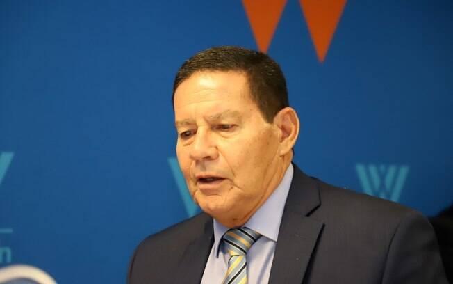 Vice-presidente Hamilton Mourão disse que militares devem ignorar crítica