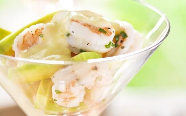 Foto da receita Coquetel de camarão com abacate pronta.
