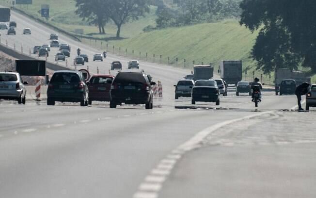 Redução de circulação nas rodovias fez com que quantidade de acidentes diminuísse.