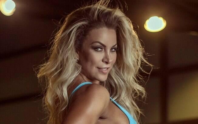 Dayse Brucieri é modelo, musa fitness e assistente de palco do programa