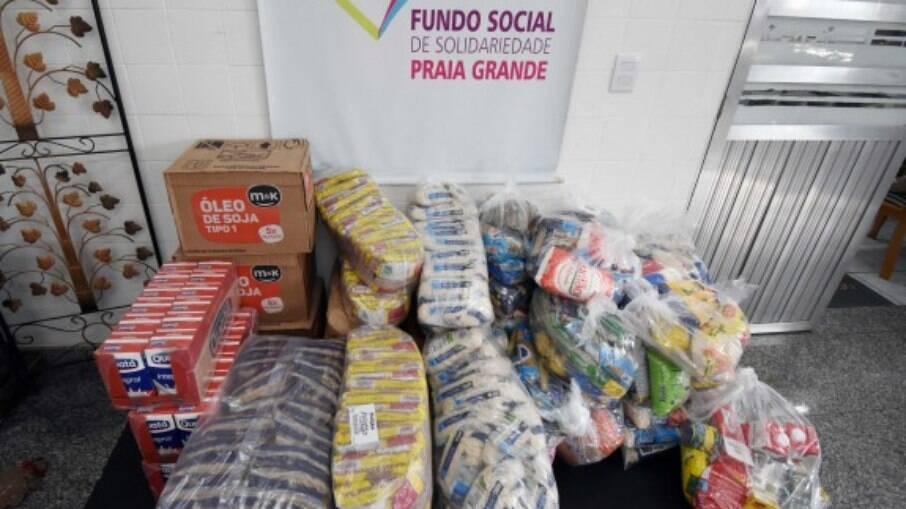 Os alimentos serão utilizados para montar cestas básicas, que serão doadas para famílias carentes
