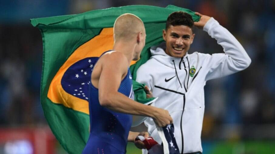 Com Covid-19, Sam Kendricks abriu caminho para Thiago Braz no salto com vara