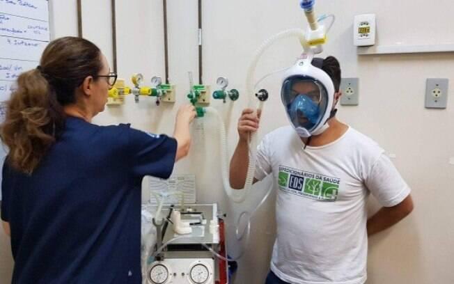 Máscaras de mergulho foram adaptadas para serem usadas como respiradores artificias