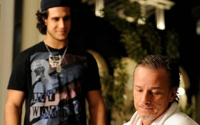 Lúcio quer vingança por levar a culpa dos crimes de Max. Foto ...