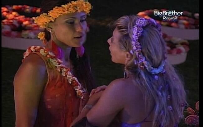 Fabiana conta a Kelly a declaração de Rafa