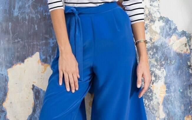 Calça Pantacourt Azul por R$ 49,90 na promoção