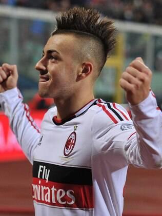 Jovem atacante do Milan está nos planos do clube espanhol 82328f1f8f651
