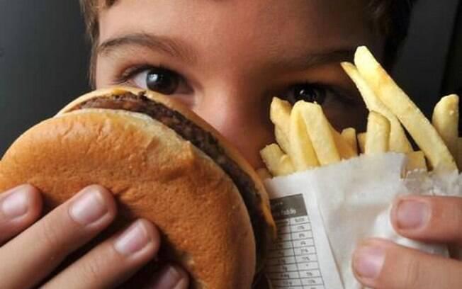 Setembro laranja alerta para obesidade infantil