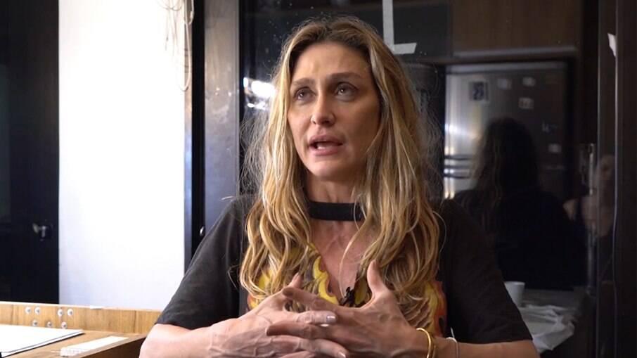 Amora Mautner alerta para golpe utilizando o nome dela