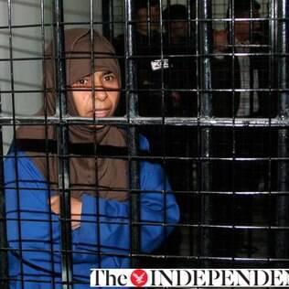 A iraquiana Sajida Mubarak Atrous al-Rishawi, de cerca de 40 anos, está presa na Jordânia desde 2005