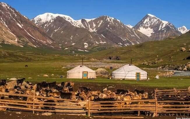 Um yurt no meio de um parque nacional da Mongólia é indispensável para uma lista de casas exóticas para aproveitar