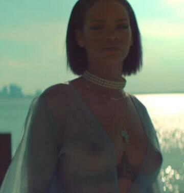 Rihanna e outras celebridades aderem à tendência; veja galeria de fotos