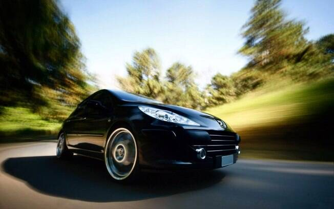 Vidros fechados na estrada é fundamental para economizar uma boa quantidade de combustível