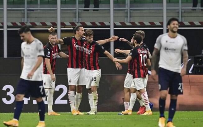 Ibra decide com dois gols e dá vitória ao Milan contra o Bologna na estreia pelo Italiano
