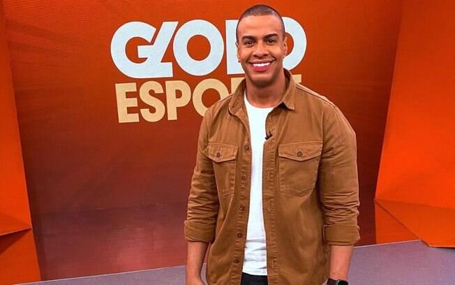 Com eletrocardiograma portátil, Thiago Oliveira volta para o Globo Esporte