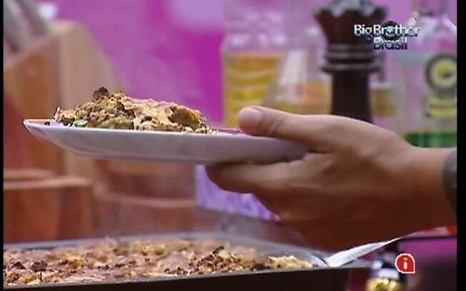 Lasanha de abobrinha é o prato principal dos brothers no almoço desta quarta-feira (07)