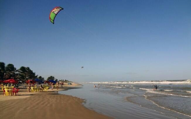 Praia do Mangue Seco é ponto ideal para os praticantes de kitesurf