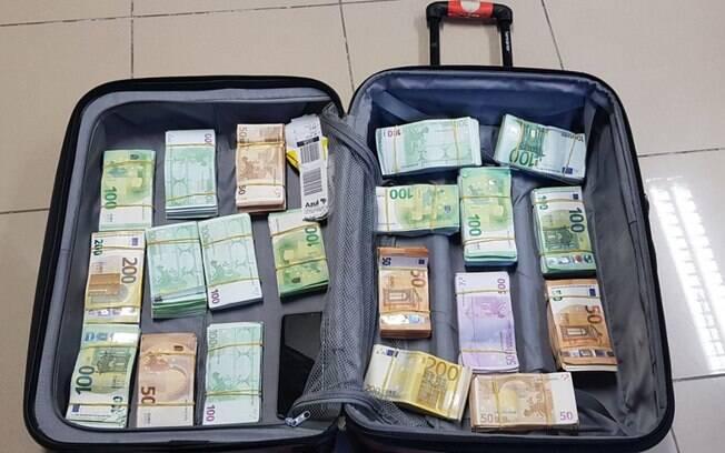 Segundo a PF, esta é a maior apreensão de euros já realizada no Aeroporto de Guararapes