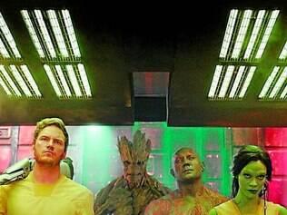Errantes. Guerreiros marginais acidentalmente se unem para salvar a galáxia onde vive o tirano Thanos