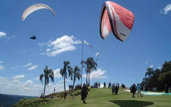 A partir do Ninho das Águias, em Nova Petrópolis, a bela vista pode ser admirada num voo de saltar de paraquedas ou paraglider. Foto: Mauro Stoffel