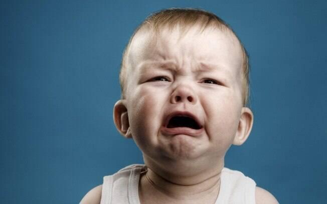 Uma criança chorando no avião é o pesadelo de muitos viajantes