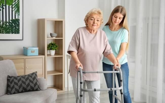 Para evitar acidentes, algumas recomendações de arquitetos fazem diferença na hora de decorar a casa do idoso