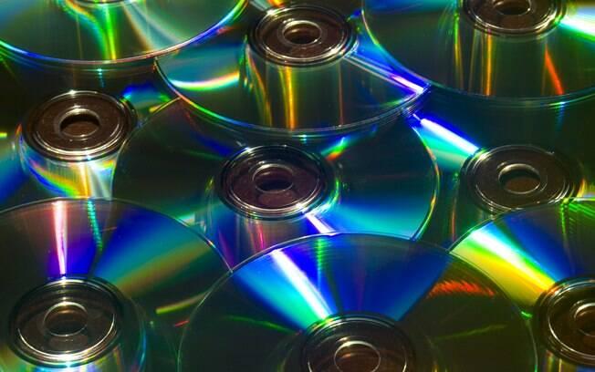 Responsável por aposentar o vinil, CD passa por crise após surgimento de tocadores de MP3 e pen-drives