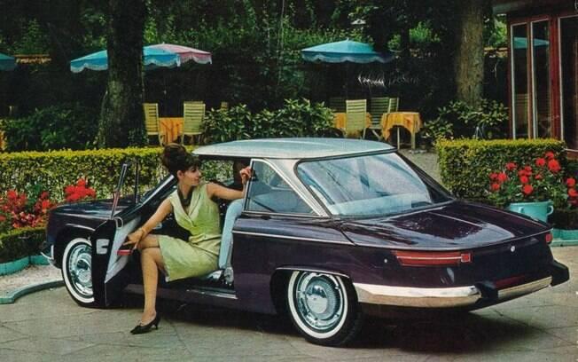 O Panhard 24 vinha com motor dianteiro, refrigerado a ar, com apenas dois cilindros contrapostos a 180 graus (boxer)