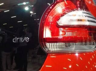 Logo Drive na traseira é a única diferença estética do Mobi de três cilindros em relação às demais versões