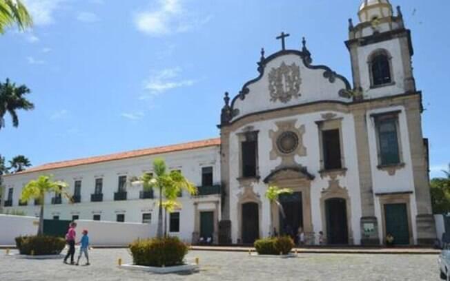 Basílica e Mosteiro de São Bento é uma das várias opções para o turista