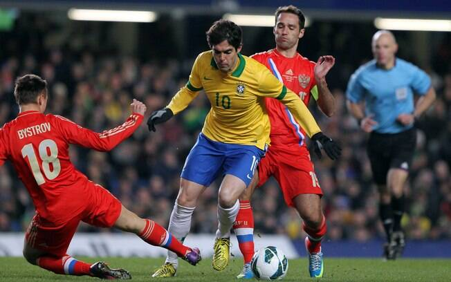 af28cea5ca Kaká fez a sua primeira partida como titular no retorno de Felipão ao Brasil