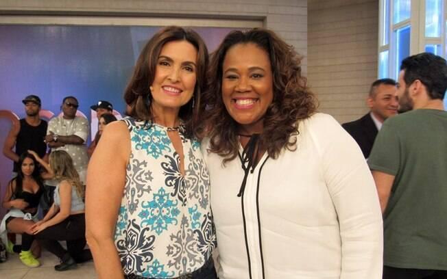 Referência. Ela é sempre destaque. Nesta foto, brilha com a apresentadora Fátima Bernardes