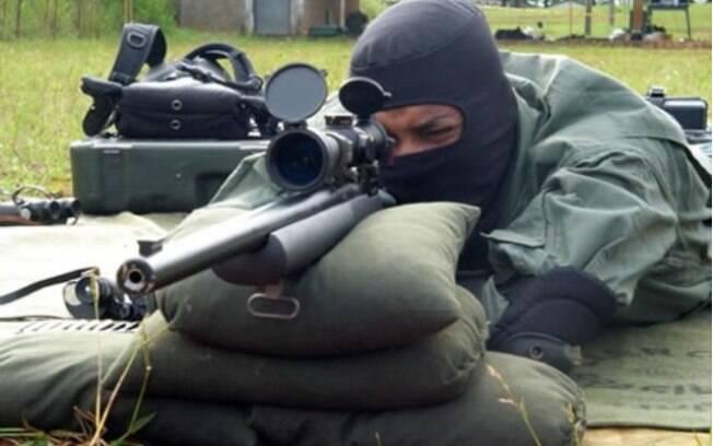 Forças Especiais do Exército já são autorizadas a usar snipers; Witzel quer uso também por policiais
