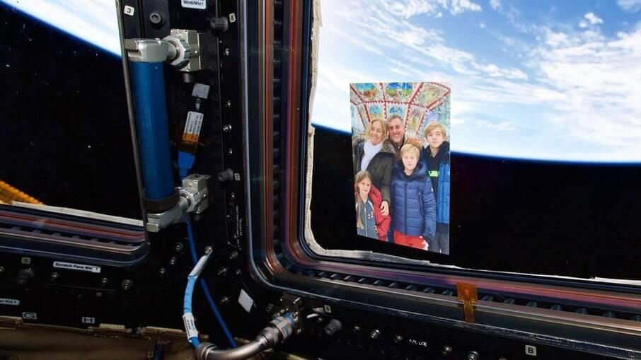 Um astronauta levou a família Huck para o espaço