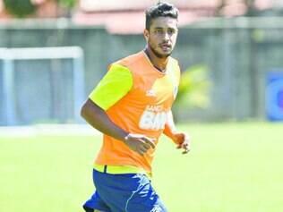 Sempre pronto. Apesar de não ser titular do Cruzeiro, zagueiro Léo tem correspondido quando é escalado para atuar entre os 11