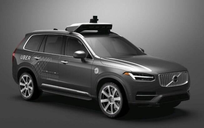 O carro que foi usado para os testes foi este Volvo XC90, que também conta com sistemas anti-colisão próprios