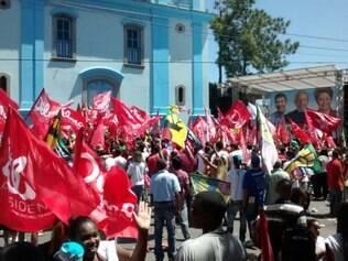 Cerca de 500 pessoas participam de ato em Nova Lima