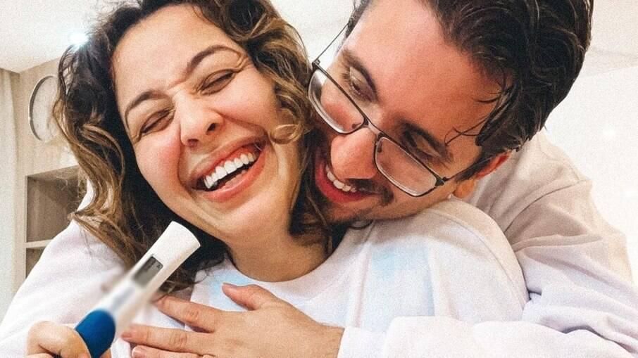 Camila Monteiro e Carlos Henrique Parra Rebolo descobrindo gravidez