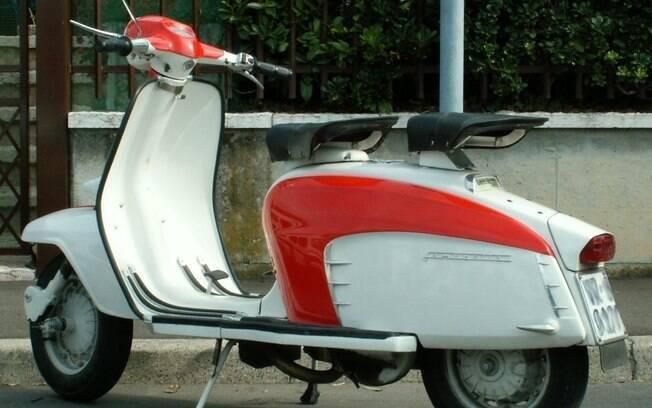 A Lambretta, de origem italiana, foi o primeiro veículo  a ser produzido em série no Brasil
