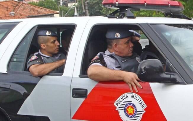 Mizael Bispo dos Santos chega ao julgamento no Fórum Criminal de Guarulhos, nesta segunda-feira (11)