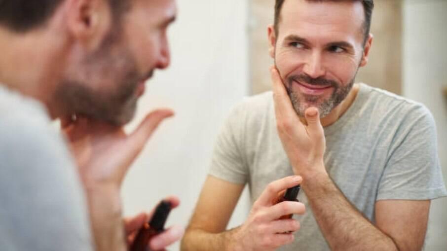 Os cuidados com a barba são comuns no cotidiano de muitos homens, mas a tecnologia torna o processo mais prático e eficiente