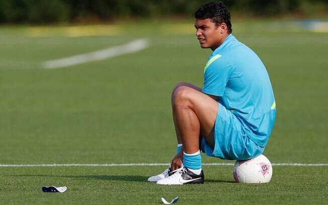 Thiago Silva é pretendido pelo Barcelona, já  acertou salários, mas falta convencer o PSG a  liberá-lo