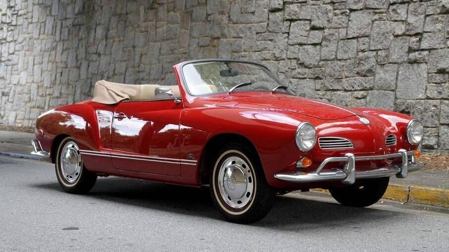 O Karmann Ghia conversível ou Cabriolet foi lançado em 1958 e hoje em dia é um dos clássicos mais valorizados